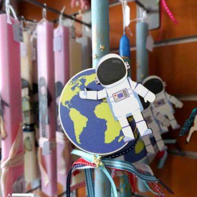 xeiropoihti-lampada-astronautis-2019-tetragono